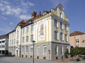 1280px-City_museum_of_Deggendorf,_Bavaria