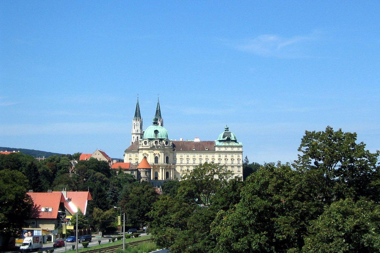 Blick Auf Klosterneuburg Und Chorherrenstift