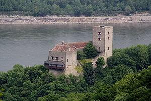 300px-Burg_Greifenstein,_Südwestansicht