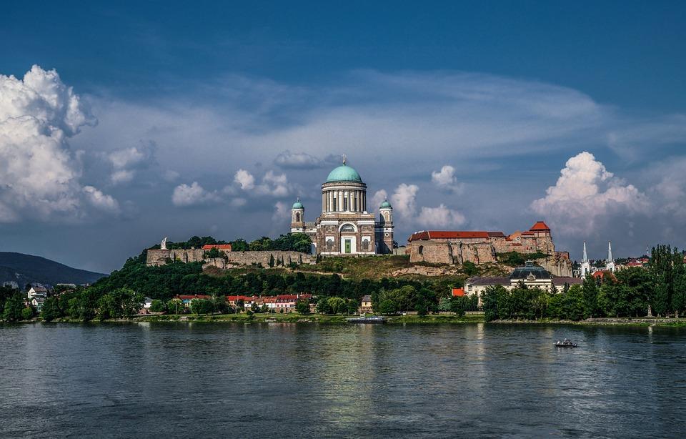 Dom Von Esztergom An Der Donau